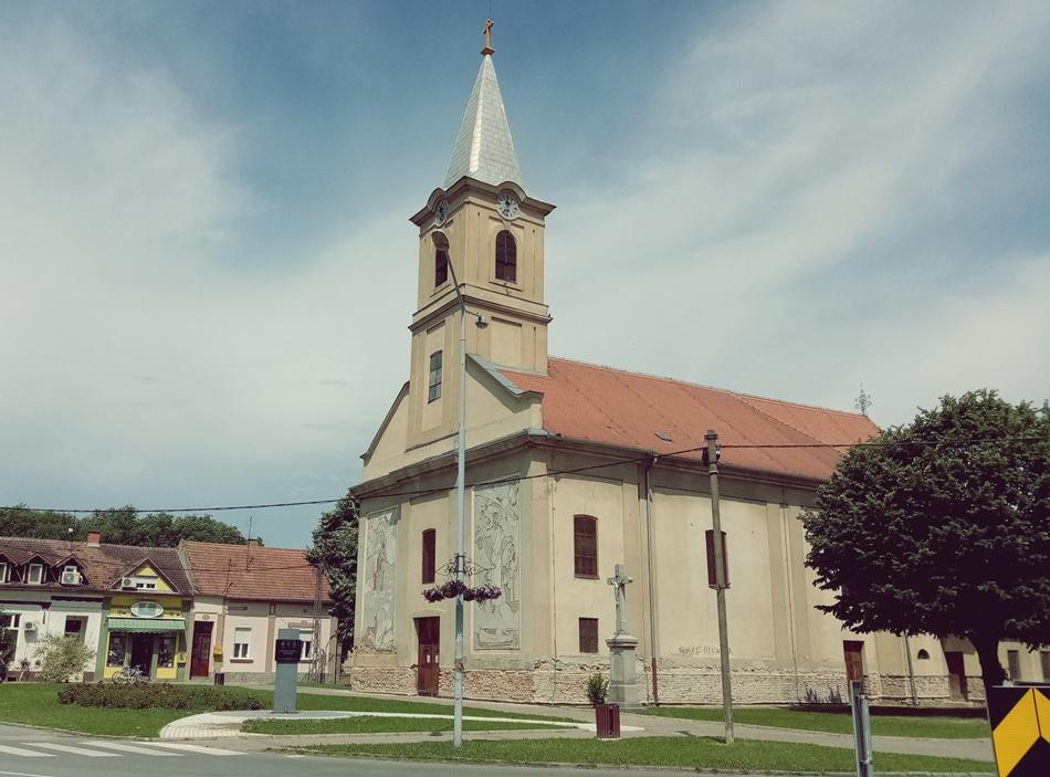 Katolička crkva Bezgrešnog začeća blažene device Marije Bačka Palanka